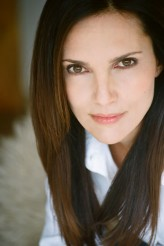 Ashley Laurence profil resmi