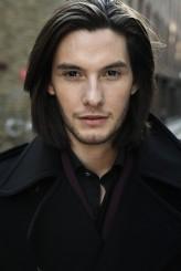 Ben Barnes profil resmi