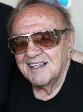 George Barris (i) profil resmi