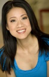 Junie Hoang profil resmi
