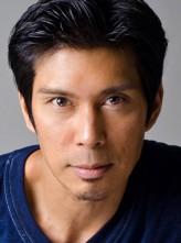Keo Woolford profil resmi