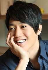 Kim Rae-Won profil resmi