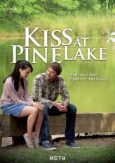 Kiss At Pine Lake (2012) afişi