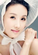 Lee Hyun-kyung profil resmi