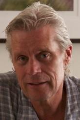 Peter McAlevey profil resmi