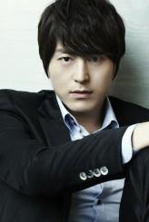 Ryu Soo-Young profil resmi