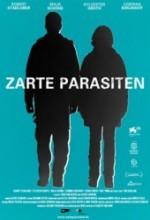 Sevecen Parazitler (2009) afişi