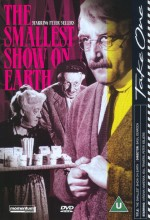 The Smallest Show On Earth (1957) afişi