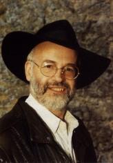 Terry Pratchett profil resmi