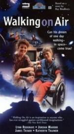 Walking on Air (1987) afişi