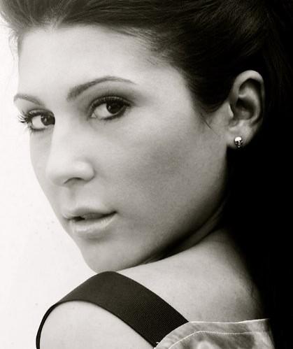 Gina Varela Nude Photos 14