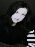 Emily Perkins Oyuncuları