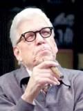 Tom Atkins profil resmi