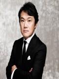 Akira Senju profil resmi