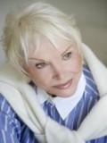 Joan Benedict profil resmi