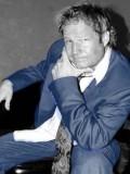 Mikul Robins profil resmi