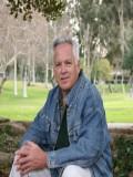 Ron Carlson profil resmi