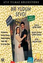 Bir Yudum Sevgi (1984) afişi