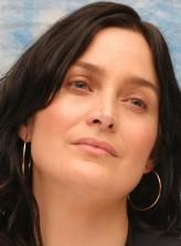 Carrie-Anne Moss profil resmi
