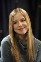 Hannah Endicott-Douglas profil resmi