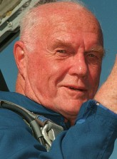 John Glenn (i) profil resmi