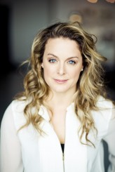 Julie LeBreton profil resmi