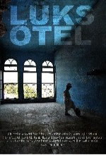 Lüks Otel (2011) afişi