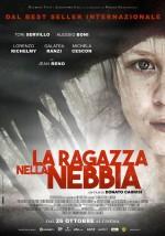 La ragazza nella nebbia (2017) afişi