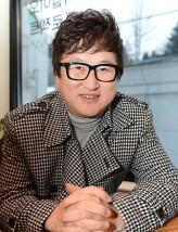 Lee Hwan-kyung profil resmi