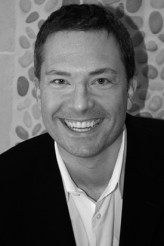 Michael Cooney profil resmi
