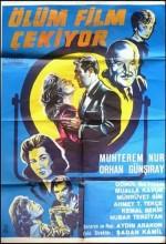 Ölüm Film Çekiyor (1961) afişi