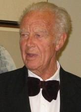 Philip Saville profil resmi