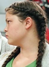 Tara Correa-McMullen profil resmi