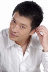 Zhang Yi profil resmi