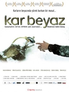 Kar Beyaz (2011) afişi