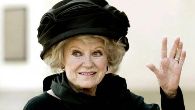 Oyuncu ve komedyen Phyllis Diller hayatını kaybetti