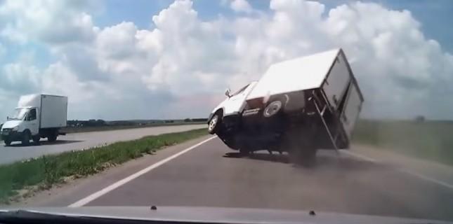 Rusya'daki araç kamerası kayıtları film oldu