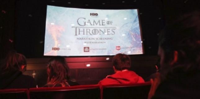 Sinemada 71 saat boyunca Game of Thrones izlediler!