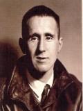 Bertolt Brecht profil resmi