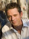 C. Thomas Howell profil resmi