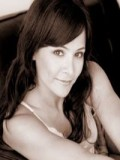 Sarah Edmondson profil resmi
