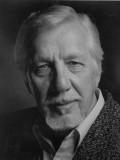 William Hutt profil resmi