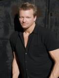 Conrad Goode profil resmi