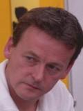 Kenneth Glenaan profil resmi